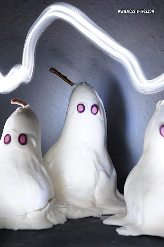 Halloween Dessert Idee Birnen Geister Birnengeister #halloween #halloweendessert #birnen #halloweenrezepte