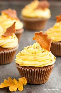 Herbst Cupcakes Herbstblätter Tuiles Tuile Kekse #herbst #cupcakes #herbstblättere #tuiles #herbstrezepte #foodblogger