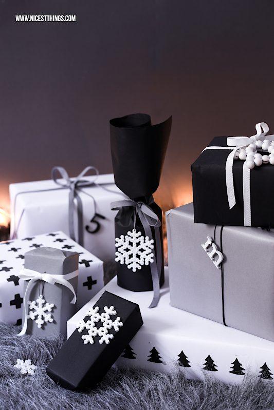 Holzkugel Sterne basteln Schneeflocken aus Bügelperlen Geschenkanhänger #holzkugeln #sterne #schneeflocken #bügelperlen #weihnachten #weihnachtsgeschenke #geschenkverpackung