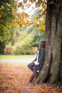 Herbstshooting im Park Portraitshooting Herbst Herbstblätter #herbstshooting #park #herbst #shooting #portraitshooting #herbstblätter #fotografie #autumn