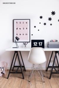 Verpackungsideen Weihnachten Home Office Deko Weihnachten Sterne Rosa Schwarz skandinavisch #homeoffice #arbeitsplatz #workingspace #skandinavisch #sterne #weihnachten