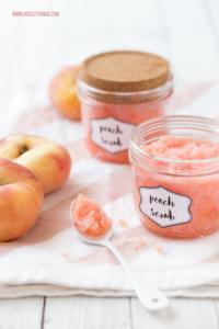 DIY Pfirsich Peeling selber machen rezept #diykosmetik #pfirsich #peeling #bodyscrub #peach #diyblogger #naturkosmetik