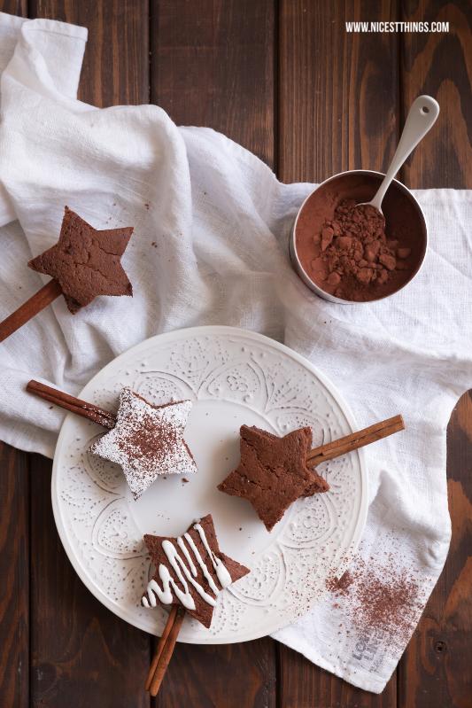 Brownie Sterne Rezept weihnachtliche Brownies am Zimtstangen Stiel #brownies #sterne #weihnachten #zimt #browniesterne
