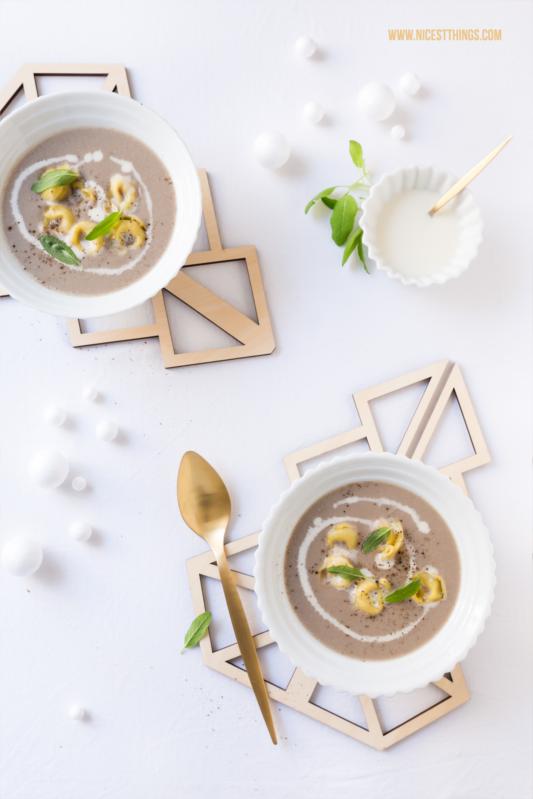 Pilzsuppe mit Tortellini und Salbei Rezept