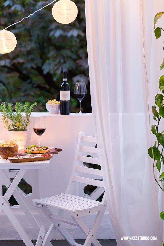 Italienischer Sommerabend balkon italienischer Dip, Pizza, Lichterkette