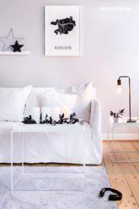Adventskranz schwarz weiss DIY mit Sprühfarbe