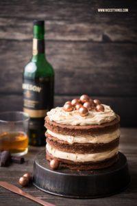 Whiskey Torte mit Whisky-Schokoladen-Kuchen und Ka...