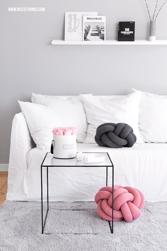 Knot Knotenkissen und By Lassen Twin Tisch im Wohnzimmer