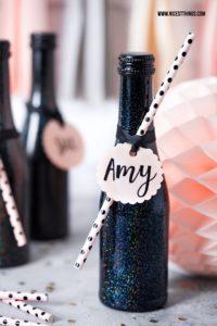 DIY Hologramm Party Deko Einladungen Sektflaschen