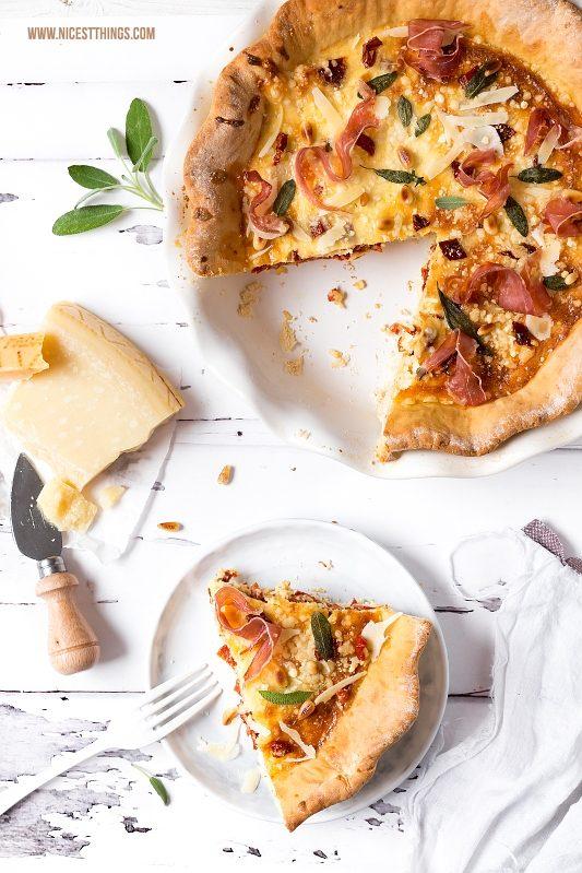 Quiche Tarte Rezept mit Grana Padano, Prosciutto di San Daniele, Pinienkerne