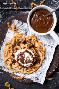 Strauben Rezept / Funnel Cake mit Bourbon-Schokosa...