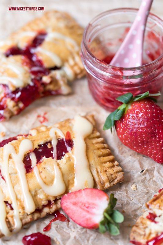 Pop Tarts mit Erdbeeren und weisser Schokolade, Strawberry White Chocolate Pop Tarts