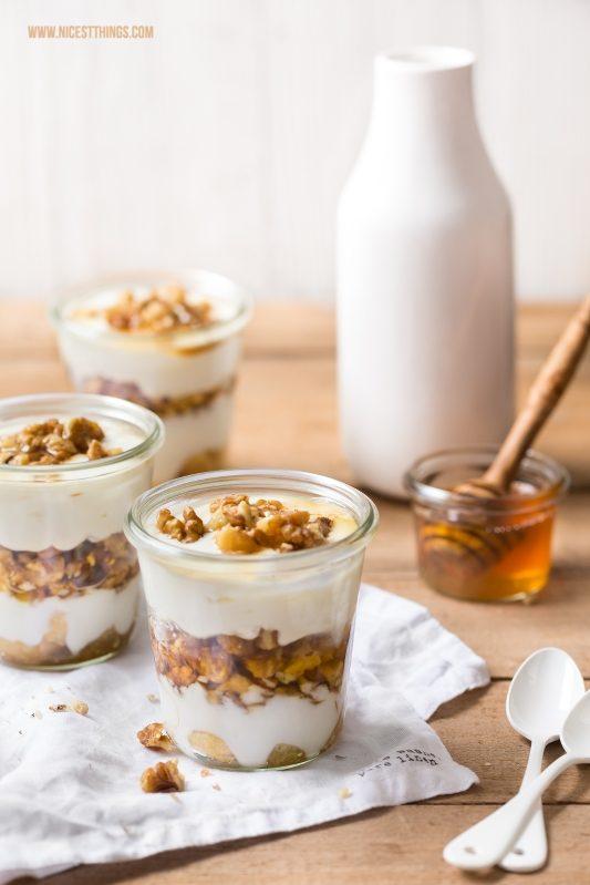 Honig Tiramisu mit greichischem Joghurt und karamellisierten Walnüssen