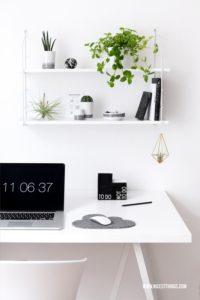 Urban Jungle Deko im Home Office: Pflanzen Deko am...