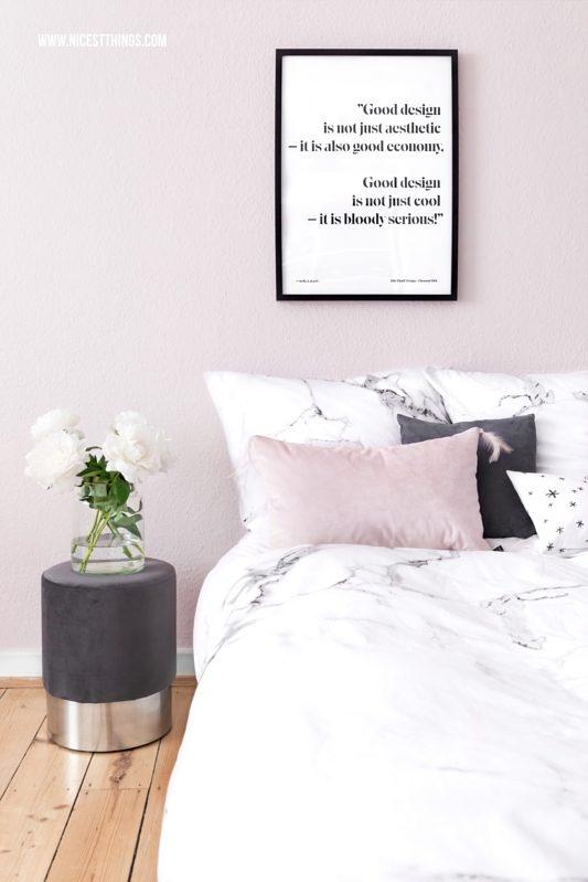 Rosa Wandfarbe im Schlafzimmer angepasst ans Kissen mit dem Datacolor ColorReader (Werbung)