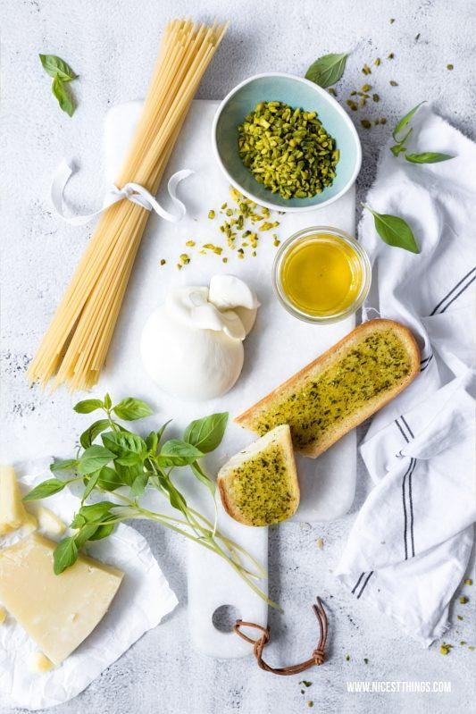 Zutaten für Spaghetti Pasta mit Pistazien Pesto und Burrata