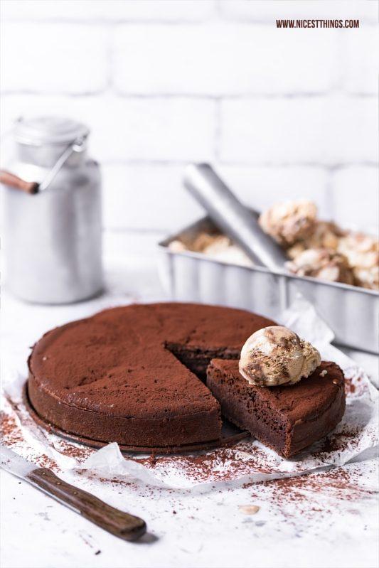 Schokoladenkuchen mit Eis Wisemans Schokokuchen