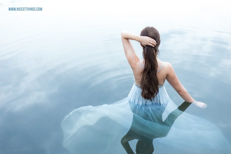 Shooting im Wasser Trash The Dress Frau im See