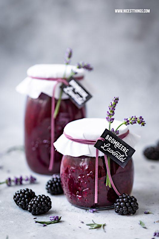 Brombeer Lavendel Marmelade Rezept Geschenkidee Konfituere Lavendelblueten #brombeeren #marmelade #lavendel