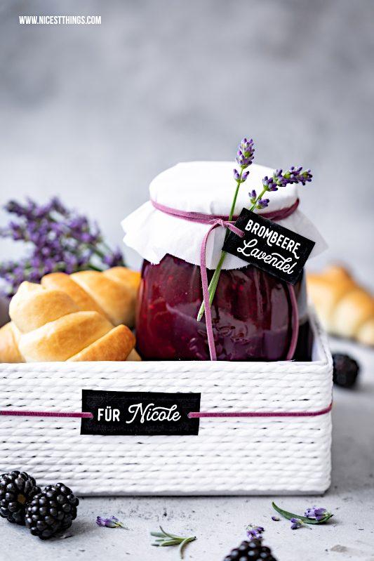 Brombeer Lavendel Marmelade Geschenkidee Konfituere verschenken #geschenkidee #brombeeren #lavendel #marmelade