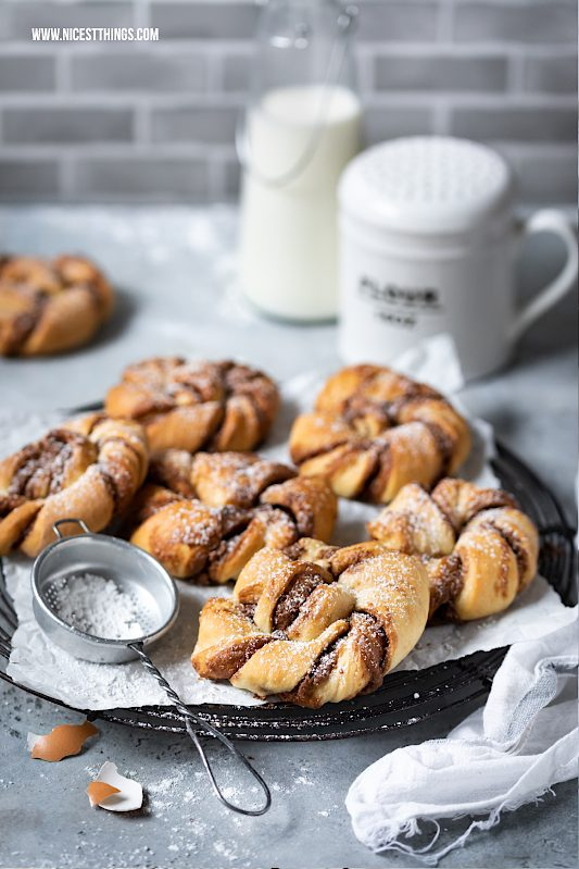Zimtknoten Rezept Kanelknuter aus Schweden mit Nougat #zimtknoten #kanelknuter #zimt #nougat #hefeteig #zimtschnecken #kanelbullar