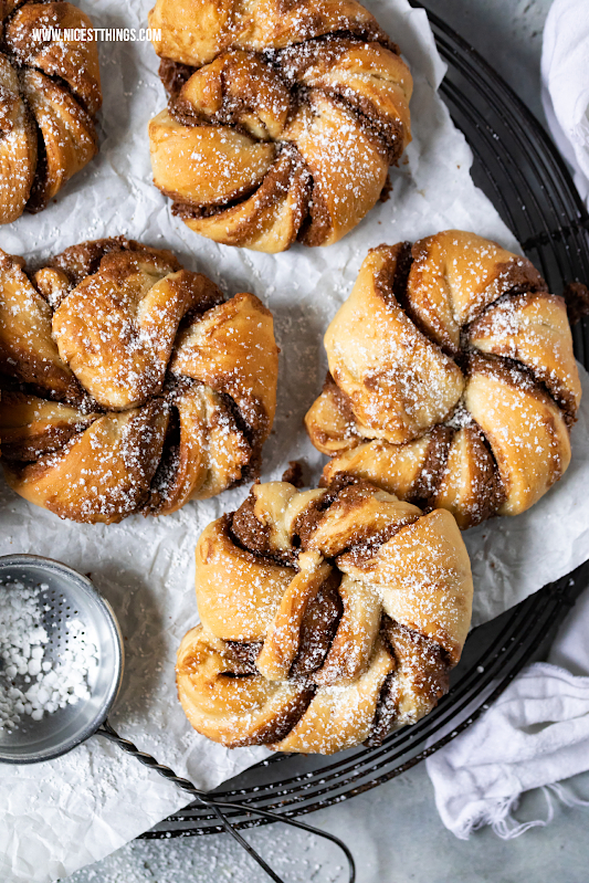 Kanelknuter Rezept Zimtknoten aus Schweden mit Nougat #kanelknuter #zimtknoten #kanelbullar #hygge #zimtschnecken #zimt #hefeteig