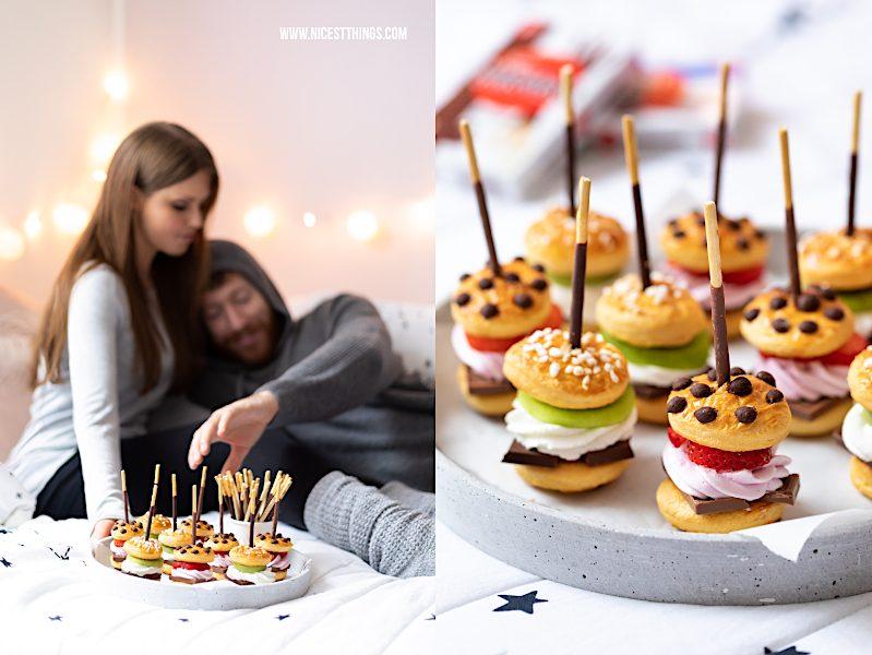 Serienabend Paerchen suesse Mini Burger am Mikado Stick