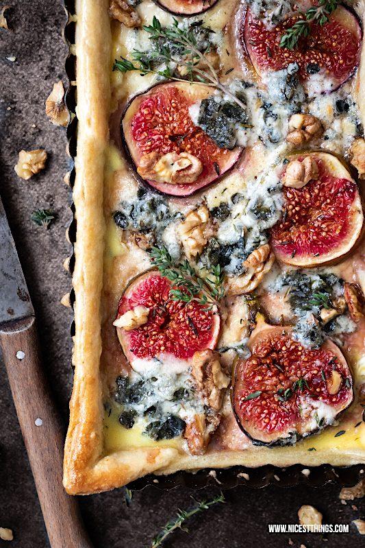 Feigen Quiche Rezept Feigen Tarte herzhaft Roquefort Walnüsse Ahornsirup Thymian #feigenquiche #feigen #quiche #herbstrezepte #roquefort #walnüsse
