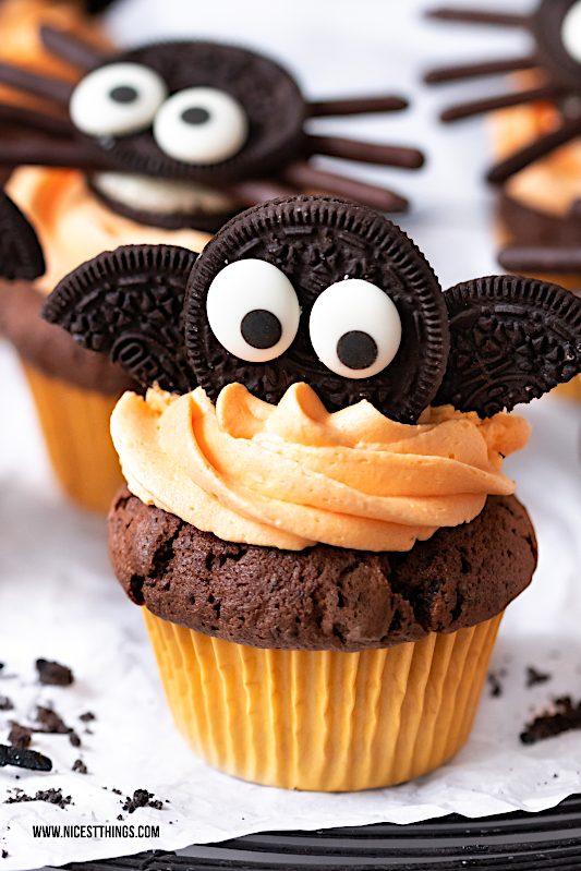 Fledermaus Cupcakes Oreo Cupcakes Halloween Rezept #fledermaus #cupcakes #halloween #oreo #halloweenrezepte