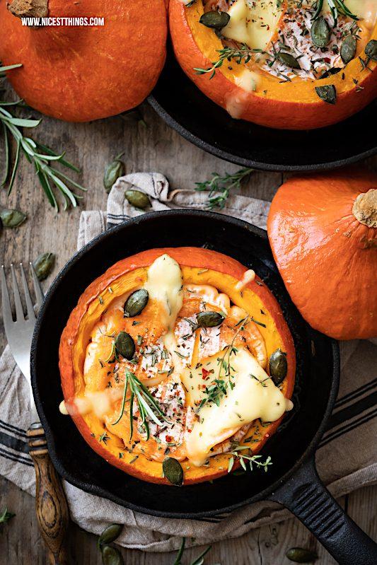 Gefüllter Kürbis vegetarisch Rezept stuffed pumpkin Hokkaido gefüllt Ofenkürbis Käse Ofenkäse #herbstrezepte #kürbisrezepte #kürbis #vegetarisch #ofenkürbis