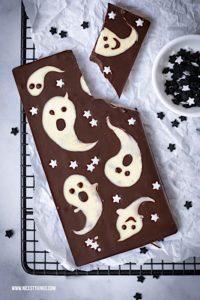Halloween Schokolade Halloween Süßigkeiten selber machen #halloween #schokolade #geister #chocolatebark #halloweenrecipes