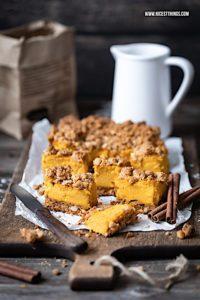 Kürbis Cheesecake Rezept mit Pumpkin Spice Streuseln Kürbis Käsekuchen #kürbis #pumpkinspice #cheesecake #herbstrezepte #kürbisrezepte