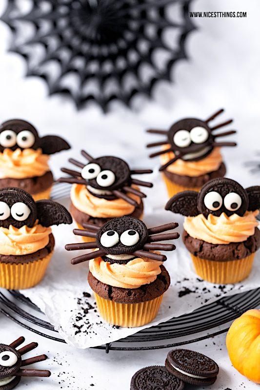 Halloween Cupcakes Oreo Cupcakes Fledermaus Cupcakes Spinnen #halloween #oreo #cupcakes #spinnencupcakes