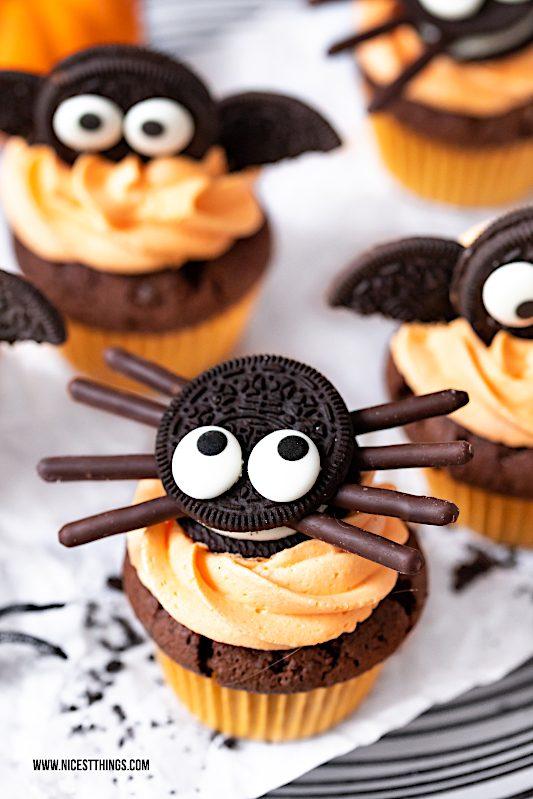 Spinnen Cupcakes Oreo Fledermaus Cupcakes Halloween #spinnencupcakes #spidercupcakes #oreo #halloween #batcupcakes