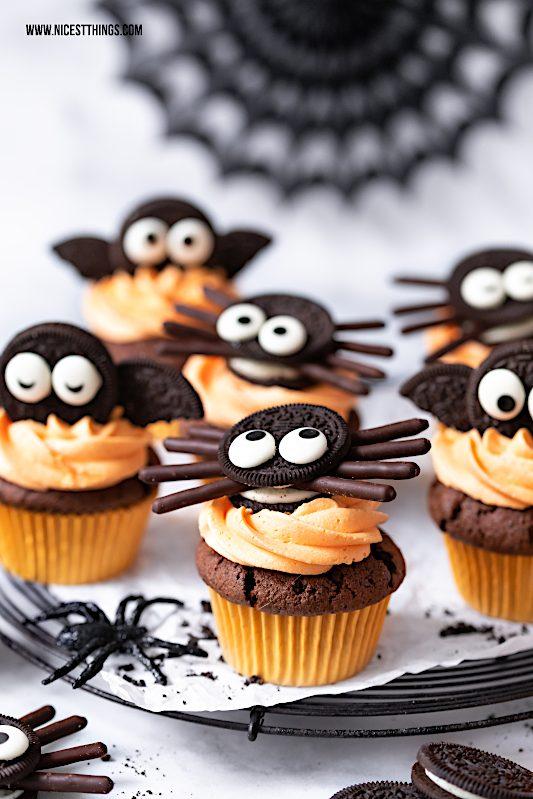 Fledermaus Cupcakes Spinnen Cupcakes Oreo Cupcakes Halloween Rezept #fledermaus #cupcakes #halloween #halloweencupcakes #oreo #oreocupcakes #halloweenrezept
