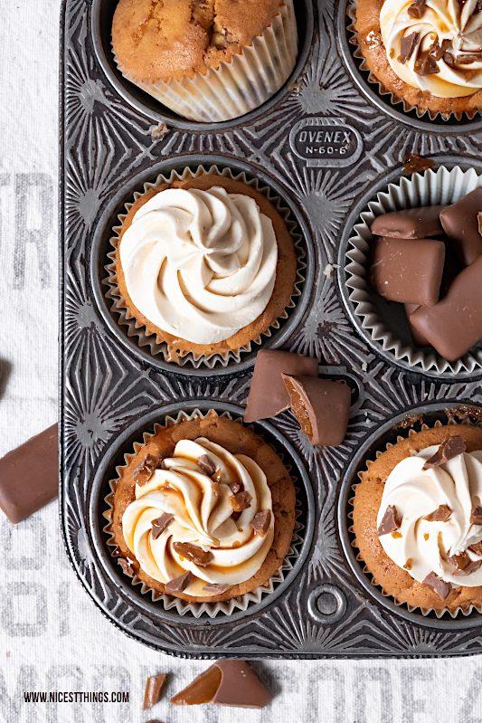 Daim Cupcakes Karamell Cupcakes mit Karamell Kern Rezept #daim #caramel #karamell #cupcakes #muffins