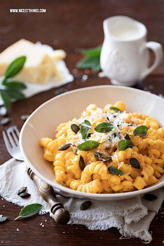 Kürbis Pasta One Pot Pasta Kürbis Mac and Cheese #onepotpasta #macandcheese #kürbispasta #kürbisrezepte #kürbis #pasta #butternut