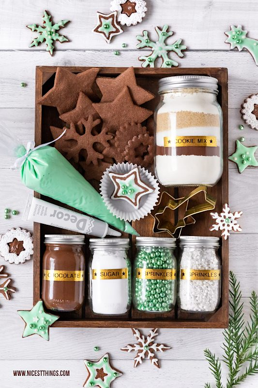 DIY Weihnachtsgeschenk Cookie Decorating Kit DIY Plätzchen Set #geschenkeausderküche #bastelnweihnachten #diyweihnachten #weihnachten #plätzchen #geschenkideen #cookiedecorating #cookiedecoratingkit #brother #ptouch