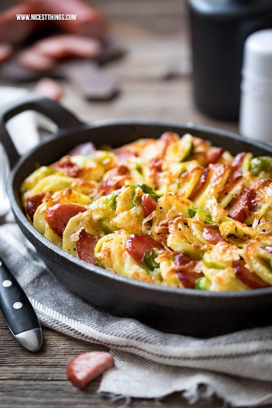 Kartoffelgratin mit Käse und Sahne Rezept mit Kabanossi, Gruyère, Rosenkohl #kartoffelgratin #auflauf #ofengericht #rosenkohl #kabanossi #gruyere #käse