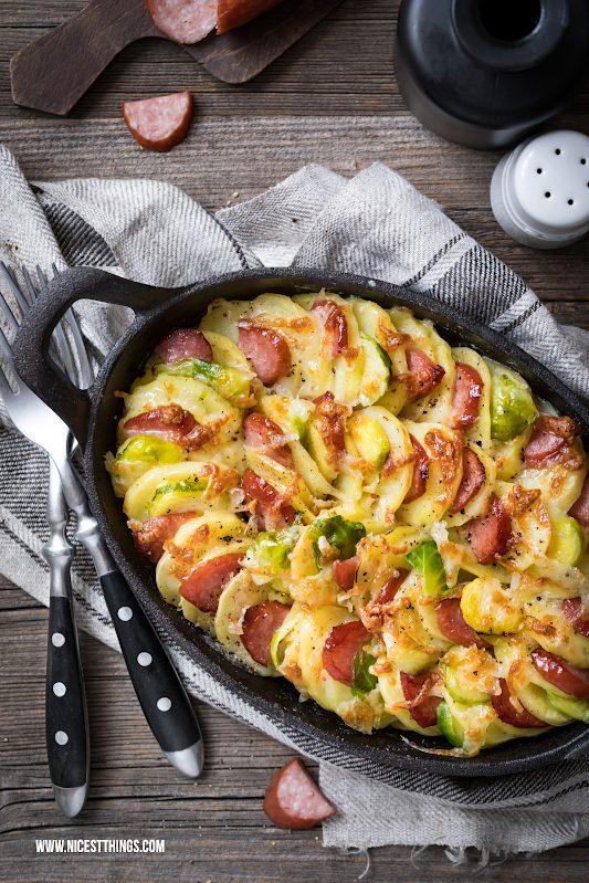 Kartoffelgratin mit Käse, Sahne, Rosenkohl, Kabanos Rezept #kartoffelgratin #gruyère #kabanos #rosenkohl #ofenschmaus #ofengerichte #auflauf #gratin #soulfood