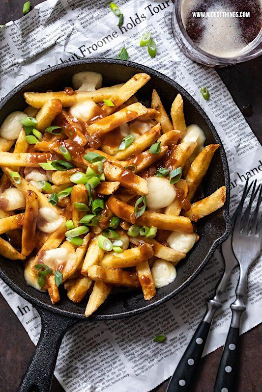 Potine Rezept kartoffeln Pommes Frites Käse Bratensauce Raclette #poutine #raclette #pommes #fries #cheese #comfortfood #canadian