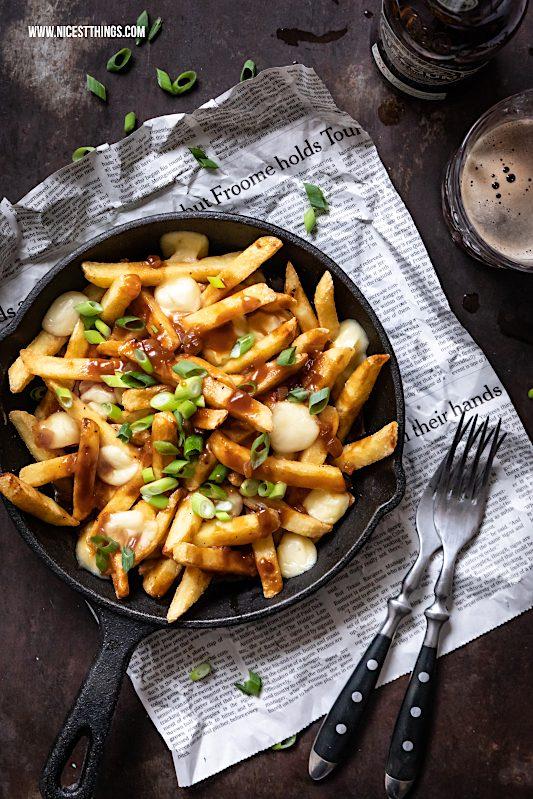 Poutine Rezept kanadisch Pommes Frites Käse Bratensauce #poutine #comfortfood #fries #käserezepte #soulfood #pommes
