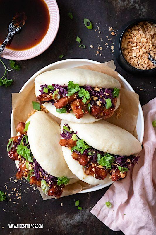 Bao Buns Rezept Thermomix Gua Bao Burger mit glasiertem Schweinebauch, Rotkohl und Erdnüssen #baobuns #streetfood #guabao #asiatisch #asian #asiatischerezepte #thermomix #rezepte #foodblogger #erdnüsse #burger