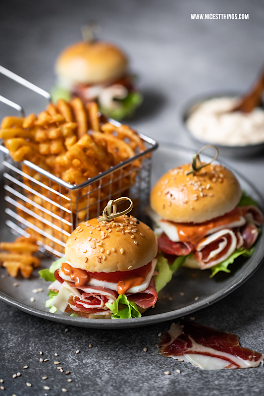 Mini Burger Rezept Tapas Burger mit Iberico Schinken Iberian Ham manchego #miniburger #burger #sliders #tapas #iberianham #hampassiontour #fingerfood #partyrezepte