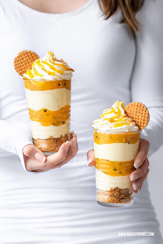 Maracuja Dessert mit Buttermilch Creme, Honig, Maracuja Sauce, Honigwaffeln Osterbrunch Ostern #maracuja #dessert #honig #langnesehonig #osterbrunch #ostern #buttermilch #honigwaffeln #nachtisch #foodblogger #osterrezepte