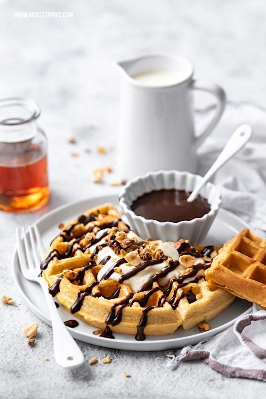 Kalorienarme Waffeln Protein Waffeln Rezept Low Carb fettarm mit Haferflocken und Magerquark #waffeln #waffles #kalorienarm #proteinwaffeln #cleaneating #lowcarb #lowcarbwaffeln #gesundewaffeln
