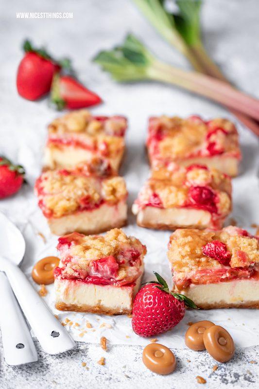 Rhabarberkuchen mit Streuseln Rhabarber Streuselkuchen Erdbeeren Mascarpone Karamellbonbons #rhabarber #käsekuchen #streuselkuchen #rhabarberkuchen #rhabarbercheesecake #rhabarberrezepte #erdbeeren #erdbeerkuchen