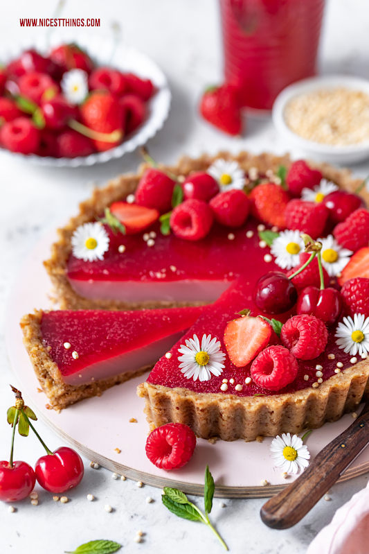 Vegane Tarte Himbeertarte Rezept kalorienarm glutenfrei vegan Himbeeren #himbeertarte #vegan #himbeeren #raspberries #glutenfrei #kalorienarm #abnehmen #cleaneating #rawfood