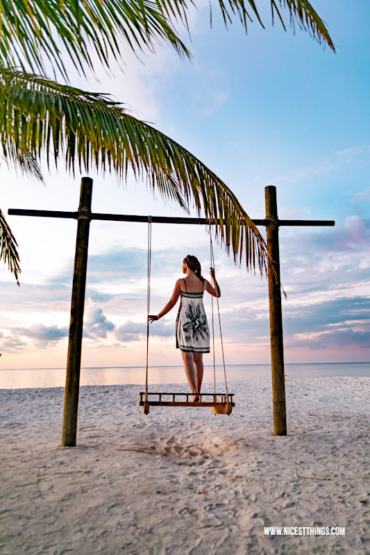 Lux South Ari Atoll Malediven Schaukel Swing #schaukel #swing #malediven #maldives #lux #southari #luxsouthari #luxsouthariatoll #flitterwochen #islandlife