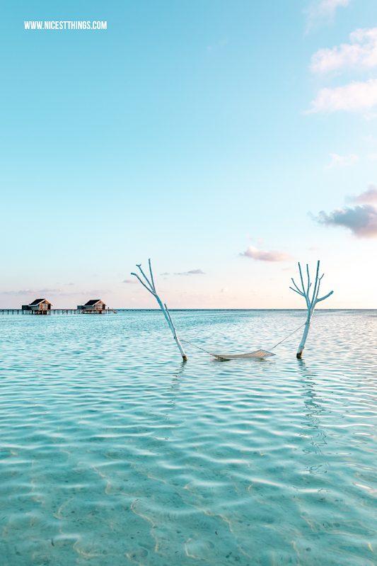 Lux South Ari Atoll Malediven Hängematte im Wasser Hammock #hängematte #hammock #malediven #maldives #lux #southari #luxsouthari #luxsouthariatoll #flitterwochen #beach #strand #islandlife